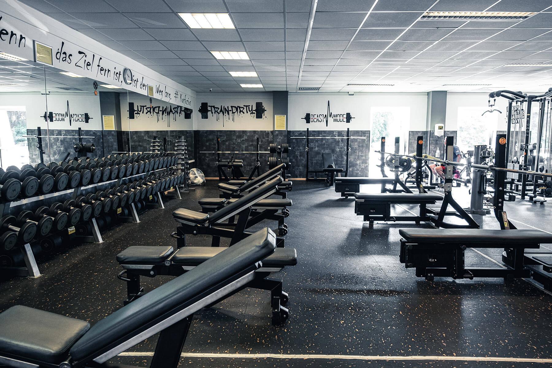 fitness gym lüdenscheid freie gewichte